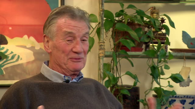 interview michael palin talking about how much he will miss his friend and fellow monty python star terry jones, after he died aged 77 - 俳優 テリー ジョーンズ点の映像素材/bロール