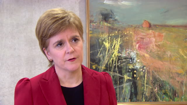 "interview nicola sturgeon, first minister of scotland, about train crash derailment in stonehaven, aberdeenshire ""this is devastating news, this has... - 脱線点の映像素材/bロール"