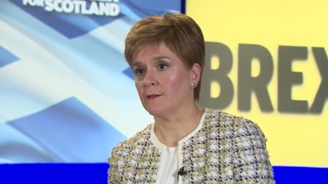 vidéos et rushes de interview nicola sturgeon, snp leader, talks about one of their key manifesto pledges of the removal of nuclear deterrent trident - arme nucléaire