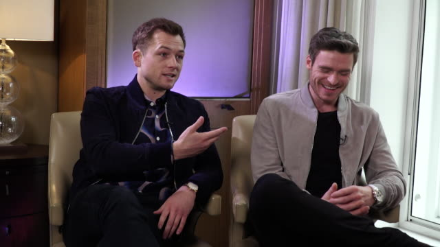 interview richard madden says he would like to play frank sinatra in a musical biopic film - 伝記映画点の映像素材/bロール