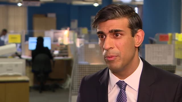 stockvideo's en b-roll-footage met interview rishi sunak, chancellor, about the home office appealing the decision to allow shamima begum, who left the uk to join isis, being allowed... - teleurstelling