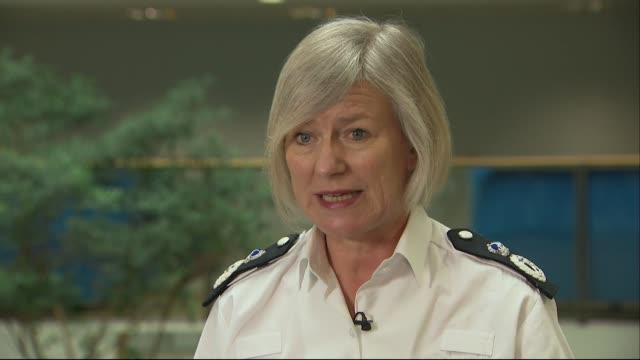 interview sara thornton national police chiefs council about uk knife crime fewer officers so less police officers and more crime so there is some... - messerstecherei stock-videos und b-roll-filmmaterial