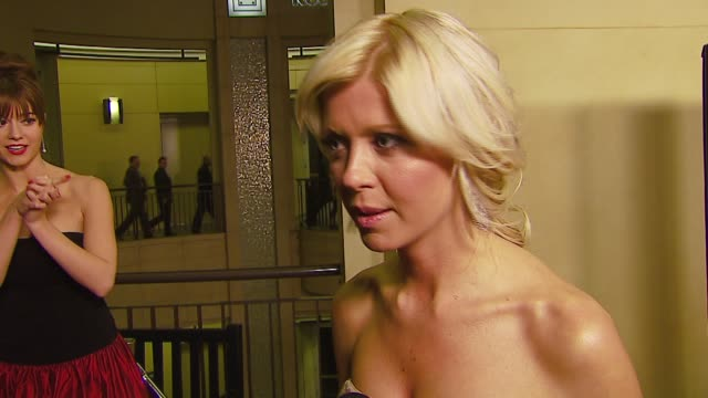 tara reid on loving horror films, on her first acting job being in a horror film, on her upcoming projects at the 'black xmas' los angeles premiere... - tara reid stock-videos und b-roll-filmmaterial
