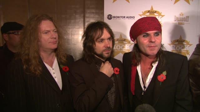 vídeos de stock, filmes e b-roll de the quireboys at the classic rock roll of honour awards at london england. - rock moderno