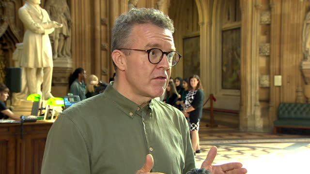 stockvideo's en b-roll-footage met interview tom watson deputy labour leader about chris williamson being allowed back into the labour party after suspension over anti semitism comments - britse labor partij
