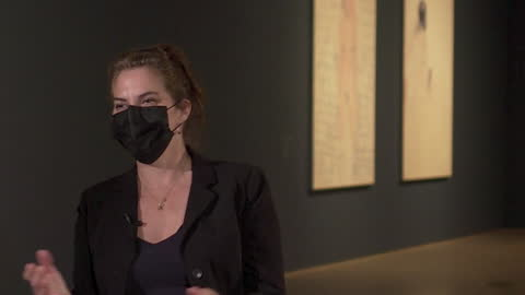 interview tracey emin, artist, talks about her bladder cancer diagnosis, intercut with art work on display at royal academy of arts. london - blase harnapparat stock-videos und b-roll-filmmaterial