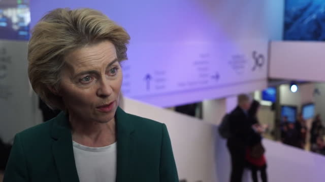 """interview ursula von der leyen, european commission president, at the world economic forum, speaking about the possibility of a uk eu trade deal... - """"bbc news"""" stock-videos und b-roll-filmmaterial"""