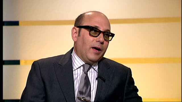 interview with actor willie garson; england: london: gir: int willie garson live studio interview sot - on 'sex and the city', its popularity,... - ウィリー ガーソン点の映像素材/bロール
