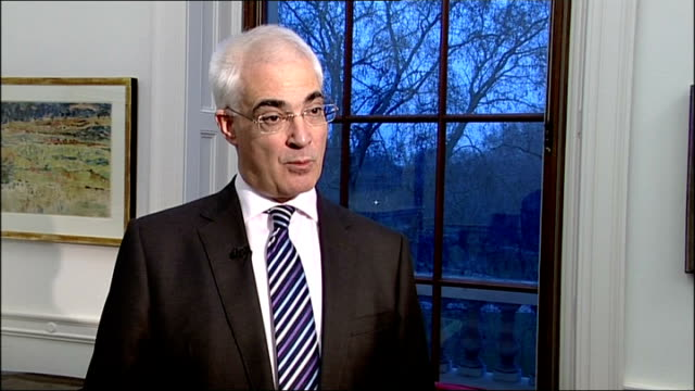 interview with alistair darling mp england london int alistair darling mp interview sot want to provide certainty to get lending going again / saying... - alistair darling stock videos & royalty-free footage