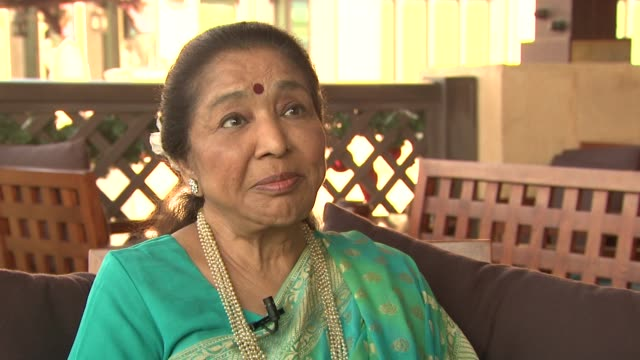 interview with asha bhosle on what it means to be receiving the lifetime achievement award, what inspires her, what she looks forward to doing in... - 生涯功労賞点の映像素材/bロール