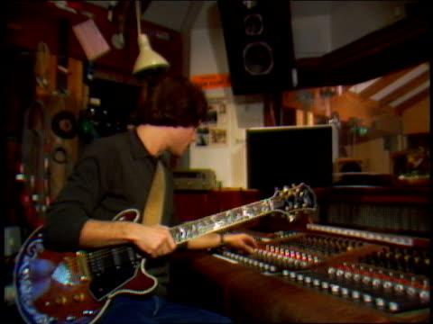 vídeos y material grabado en eventos de stock de interview with bob weir, part 15 of 15 - tiempo real grabación