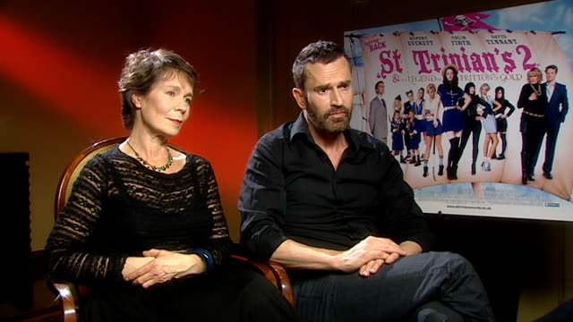 stockvideo's en b-roll-footage met interview with cast of st trinian's 2 the legend of fritton's gold england london int interview setups interview with celia imrie and rupert everett... - rupert everett