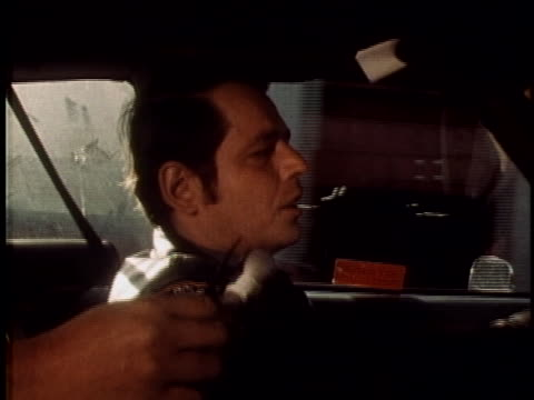 vídeos y material grabado en eventos de stock de pov interview with cop as he drives around chelsea in new york city scenes of gritty streets and exteriors include the 10th police precinct the... - 1960 1969