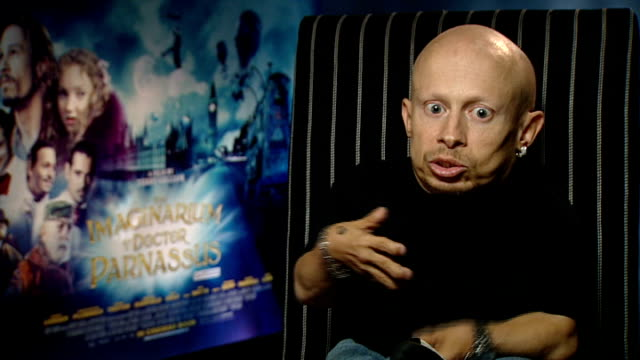 interview with director and cast of 'the imaginarium of doctor parnassus' verne troyer interview sot feels he shares some characteristics sarcasm and... - verne troyer stock videos & royalty-free footage