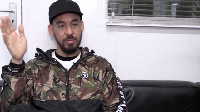 interview with former linkin park front man mike shinoda who performs on the main stage at reading/leeds festival his first festival performance... - cd発売点の映像素材/bロール