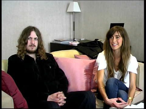 interview with members of the zutons; david mccabe and abi harding interview sot - on song 'valerie' and its cover version / on making and spending... - amy winehouse stock-videos und b-roll-filmmaterial