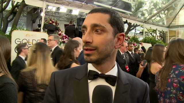interview with riz ahmed on the red carpet during the 74th annual golden globe awards - 第74回アカデミー賞点の映像素材/bロール