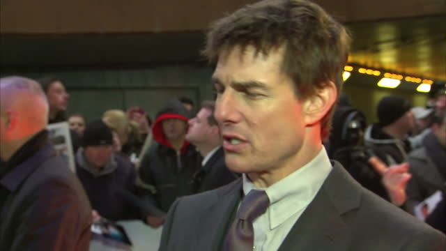 interview with tom cruise at premiere of oblivion a town called hollywood was part of their estate - tom cruise bildbanksvideor och videomaterial från bakom kulisserna