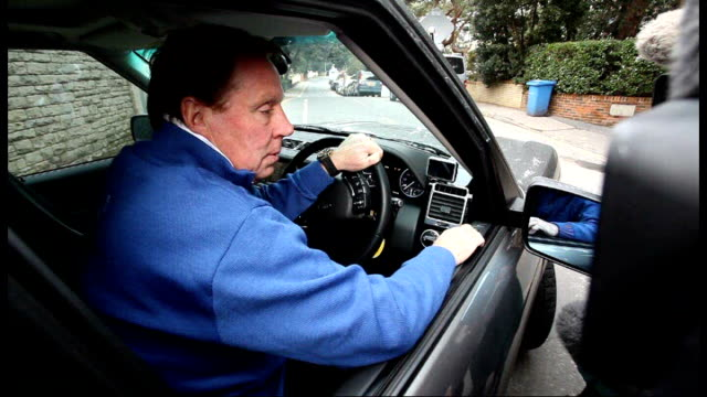 interview with vicente del bosque t09021242 chigwell day harry redknapp in car and spekaing to press - ハリー レッドナップ点の映像素材/bロール