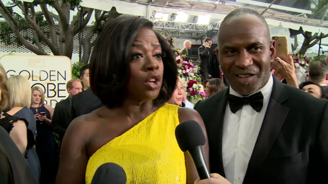 vidéos et rushes de interview with viola davis on the red carpet during the 74th annual golden globe awards - golden globe awards