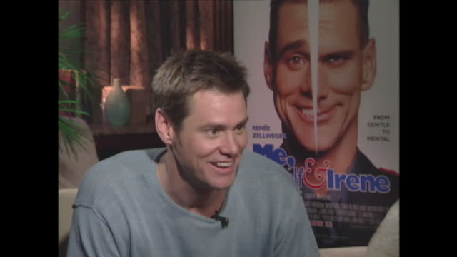 kirstie: what kind of things have you dreamt about? jim carrey: ah, i have the most amazing wonderful dreams and they're so psychic and there so ah,... - スケッチコメディー点の映像素材/bロール