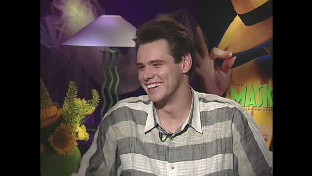 vídeos y material grabado en eventos de stock de what were you like in school? jim: ah, i was crazed i-i was nuts, i was the kind of kid that, i was very good in school and i finished my work first... - jim carrey