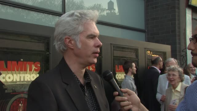 jim jarmusch on the idea of the film and shooting in spain. he talks about having the characters in his mind and going from there. on working with... - chemistry点の映像素材/bロール