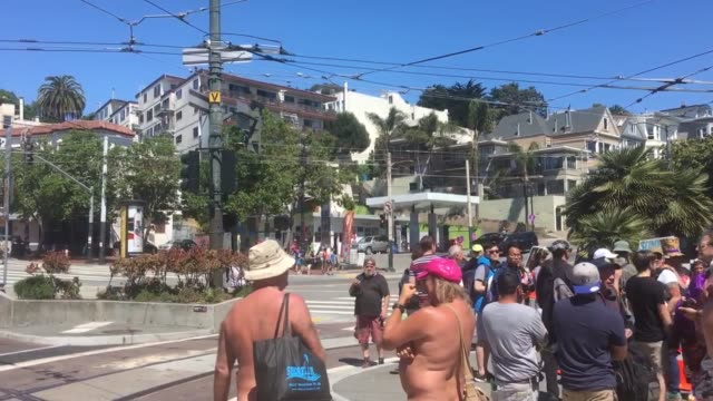 contains nudity) interviews and b-roll footages of the summer of love event in san francisco. participants marched along castro street in san... - fkk stock-videos und b-roll-filmmaterial
