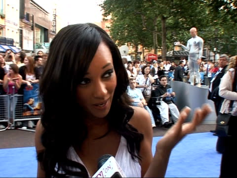 interviews and photocalls on red carpet at 'fantastic four rise of the silver surfer' film premiere lisa maffia interview sot on the silver surfer... - spandex stock videos & royalty-free footage