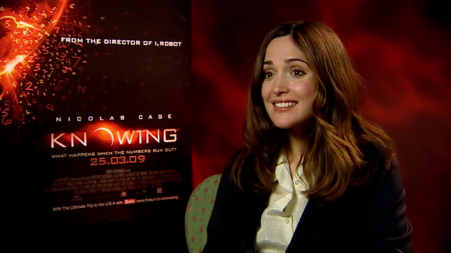 interviews with nicolas cage and rose byrne rose byrne interview sot on the movie gci disaster sequences / on how no one approaches her on the... - rose byrne stock videos and b-roll footage