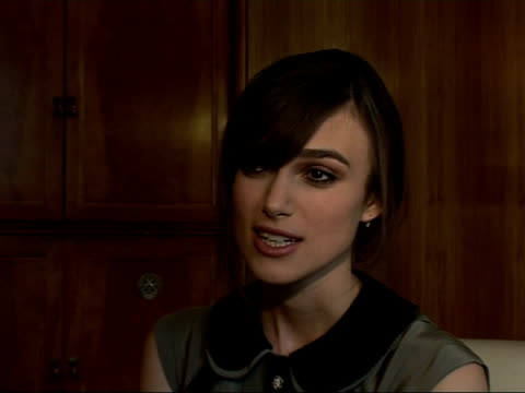 interviews with stars and director of 'the edge of love' keira knightley interview sot on playing a welsh woman while working with a welsh actor / on... - pferderitt stock-videos und b-roll-filmmaterial