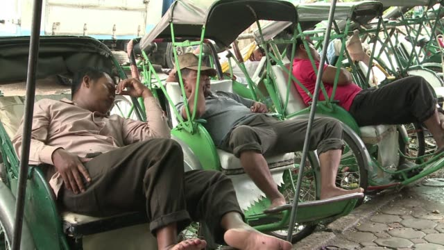 introduced by french colonialists in the 1930s the cyclo is cambodia's version of the rickshaw clean : historic cyclos losing ground in cambodia on... - rickshaw stock videos & royalty-free footage