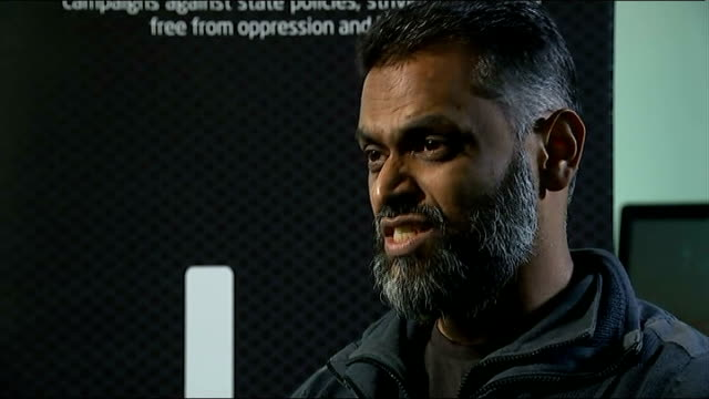 vídeos de stock, filmes e b-roll de london int moazzam begg interview re alan henning sot - moazzam begg