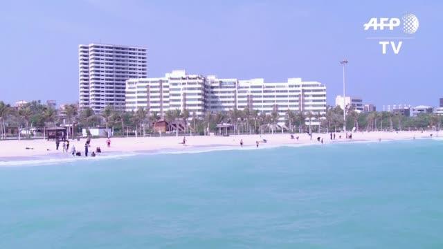 Inversores iranies derraman dinero en la isla Kish en el golfo esperando que sus playas de arena blanca arrecifes de coral y reglas islamicas mas...