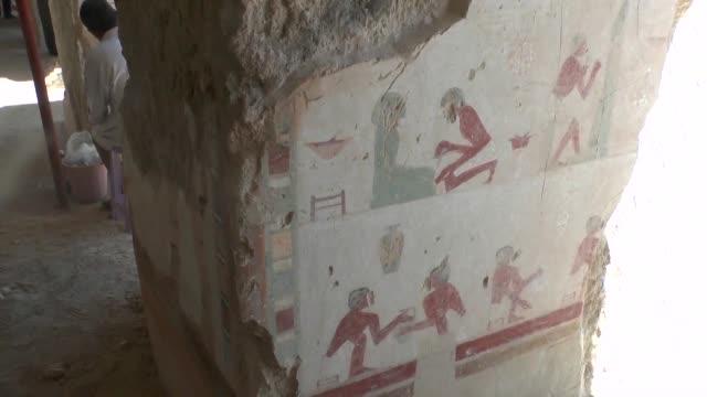 investigadores descubren una tumba de la 18va dinastia a 700 km al sur de el cairo que por su tamano es considerada de las mas grandes del sitio... - arqueologia stock videos & royalty-free footage