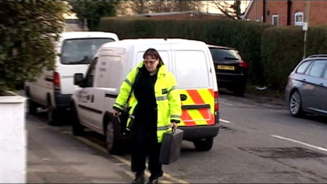 stockvideo's en b-roll-footage met lib investigator with briefcase arriving at house - carbon monoxide