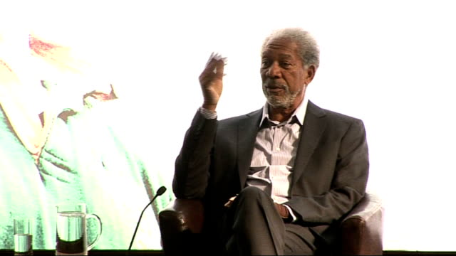 'invictus' uk film premiere eastwood freeman and damon press conference morgan freeman answers question for eastwood on whether mandela has seen the... - morgan freeman stock videos & royalty-free footage