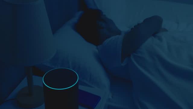 vídeos de stock, filmes e b-roll de iot ai smart home concept - electric lamp