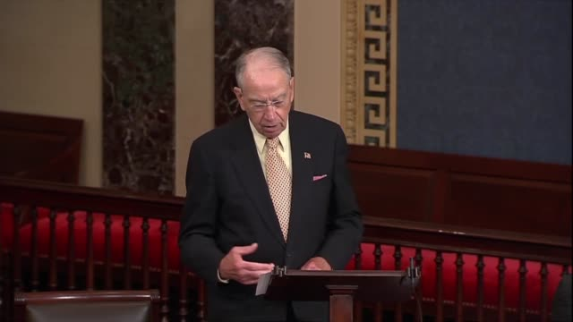 stockvideo's en b-roll-footage met iowa senator chuck grassley says fbi employees who handled the hillary clinton email investigation did not exclusively use a private server... - amerikaanse presidentsverkiezingen