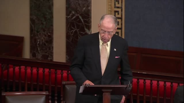 iowa senator chuck grassley says former fbi director jim comey said his people did not give a rip about politics former fbi director jim comey said... - {{ contactusnotification.cta }} stock-videos und b-roll-filmmaterial
