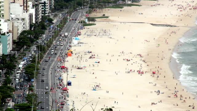 vídeos de stock, filmes e b-roll de praias de ipanema e leblon - tempo real