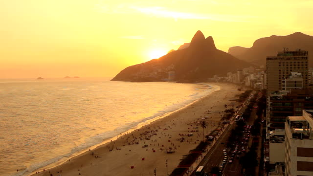 sonnenuntergang von ipanema - rio de janeiro stock-videos und b-roll-filmmaterial