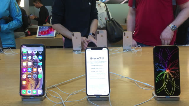 iphone xs has been on sale in china from sept. 21. - apple computer stock-videos und b-roll-filmmaterial