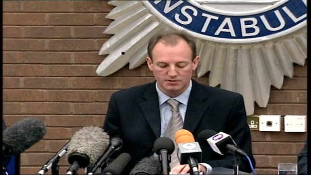 cctv of anneli alderton released suffolk police hq int detective chief superintendent stewart gull press conference sot the images show anneli in... - grey jacket stock videos and b-roll footage