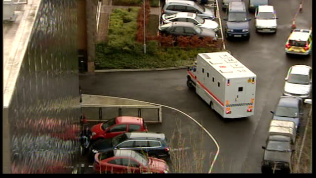steve wright trial begins; england: suffolk: ipswich: ext serco prison van carrying steve wright arriving at courthouse - crime or recreational drug or prison or legal trial点の映像素材/bロール