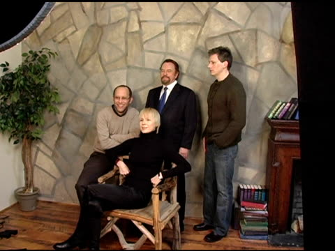 vidéos et rushes de ira sachs director rip torn dina korzum and darren burrows of 'forty shades of blue' at the 2005 hp portrait studio presented by wireimage at hp... - rip torn