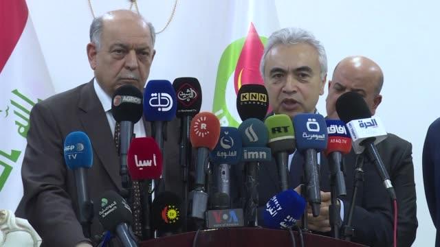 irak producira casi seis millones de barriles diarios de petroleo en 2030 lo que lo convertira en el tercer exportador mundial de crudo segun estimo... - irak stock videos and b-roll footage