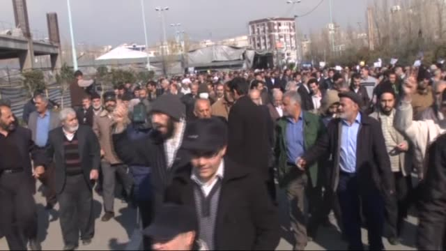 iranians march during the protest against cartoons depicting islam's prophet mohammed by french satirical magazine charlie hebdo, in tehran, iran on... - darstellen stock-videos und b-roll-filmmaterial