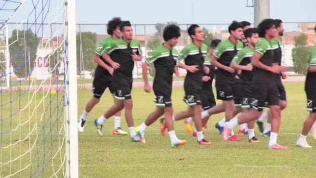 iraq and bahrain's national football teams train ahead of the final football match of the waff championship at the international stadium in karbala - international match stock videos & royalty-free footage