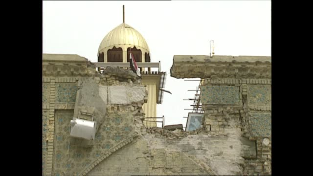 battle of karbala: aftermath; iraq: karbala: int 20.27 execution room in mosque with noose hanging from ceiling; blood-stained floor; cus noose;... - hanging execution stock-videos und b-roll-filmmaterial